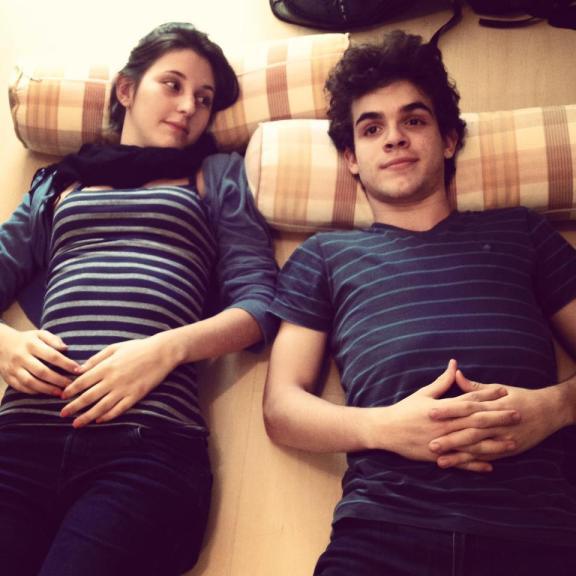Giovana (Tess Coelho) e Gabriel (Fabio Audi).