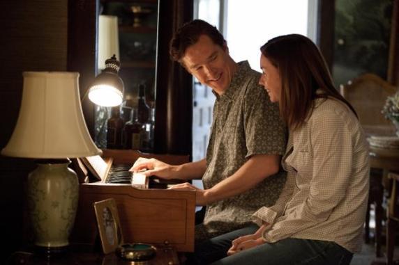 Benedict Cumberbatch e Julianne Nicholson. Tentando fugir com um pouco de felicidade.
