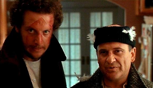Joe Pesci e Daniel Stern. Ladrões atrapalhados.