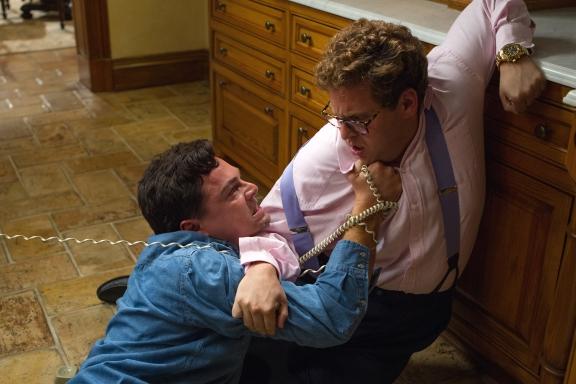 DiCaprio e Hill no melhor momento dos dois no filme.