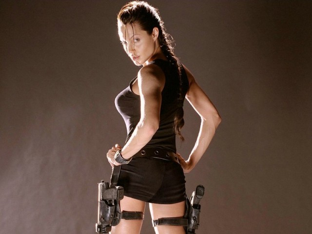 2897912-angelina-jolie-tomb-raider-costume07