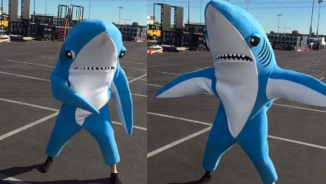 left-shark-dancer