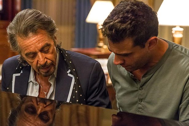al-pacino-and-bobby-cannavale-in-danny-collins.jpg_srz_616_412_75_22_0.50_1.20_0