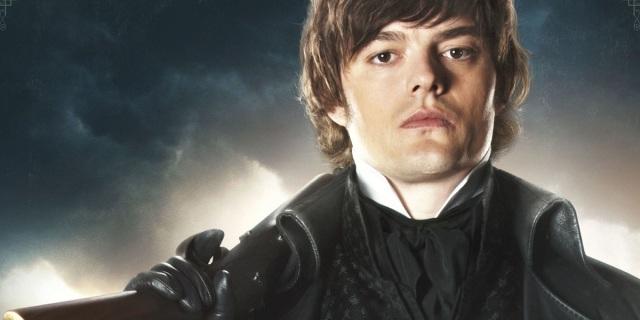 Sam Riley como Darcy
