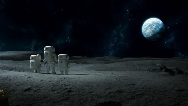 astronautas observam a terra