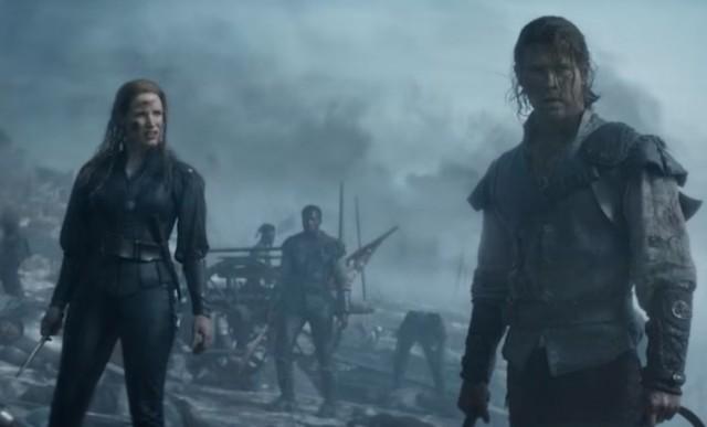 Chris Hemsworth e Jessica Chastain depois da batalha.jpg