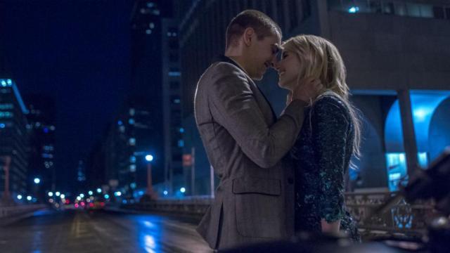 o-casal-se-beija-na-ponte