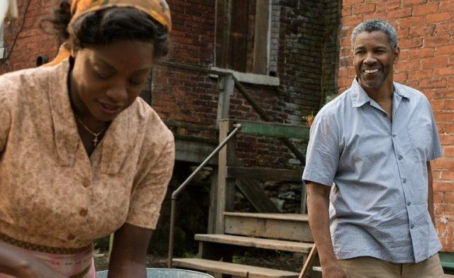 marido-e-mulher-no-quintal