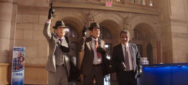 trio com máscara rouba o banco