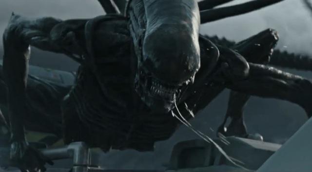 Alien sorri