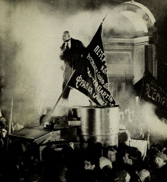 Lenin em praça pública