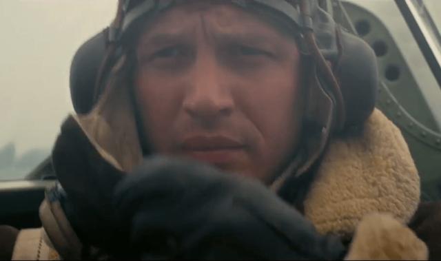 Tom Hardy como piloto em cockpit