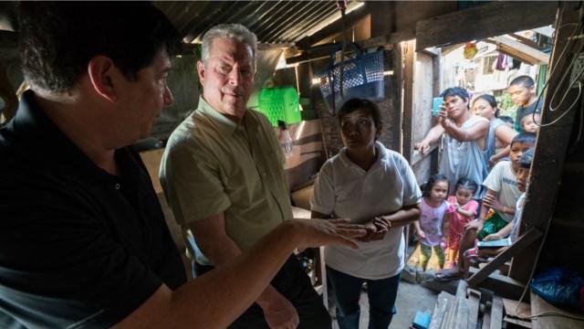 Al Gore com família pobre