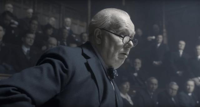 Churchill discursa para parlamento