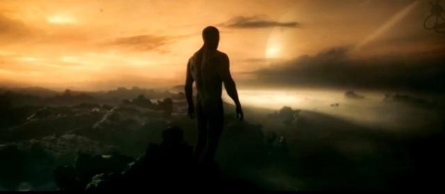 Homem em pé em Titã