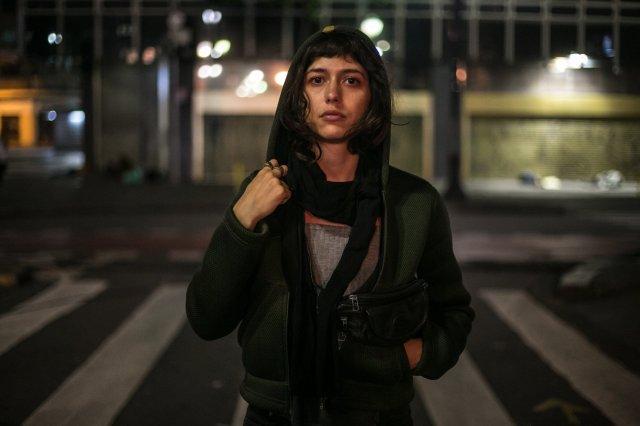 Nina na rua